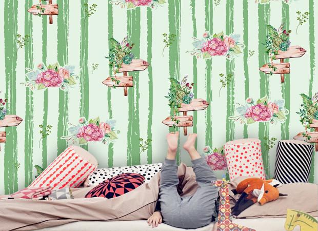 Бамбук и розовые цветы