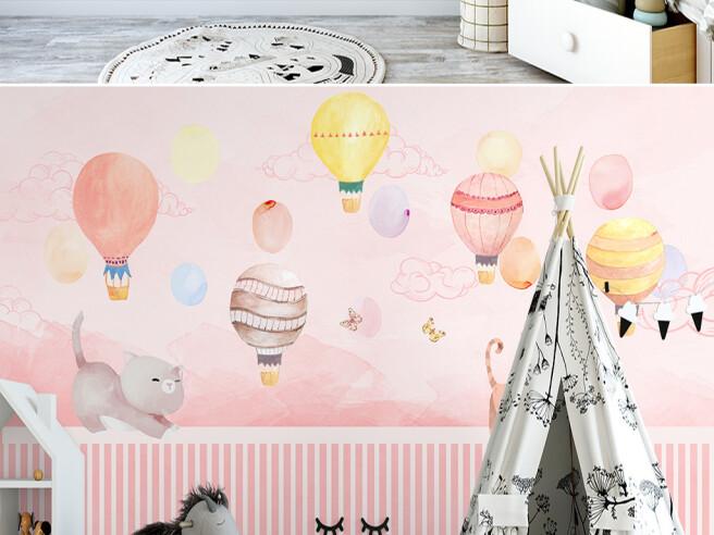 Воздушные шары над котятами
