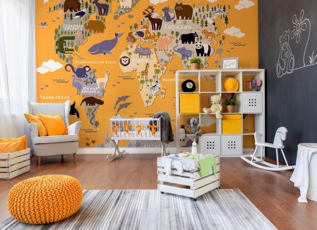 Оранжевая карта с мультяшными животными