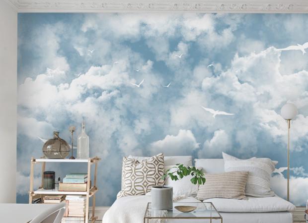 Белые птицы в облаках