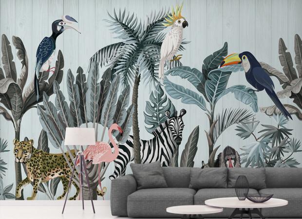 Экзотические птицы и зебра