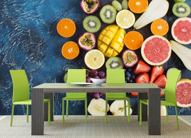 фрукты на синем