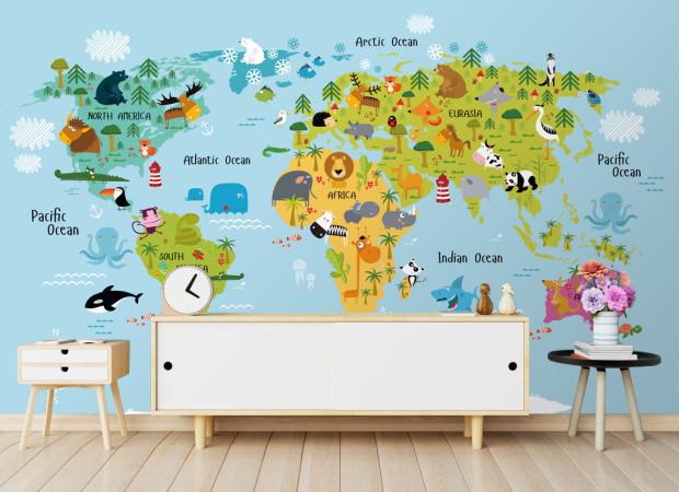 Яркая карта мира и животные