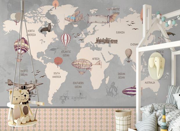 Карта мира и поезд