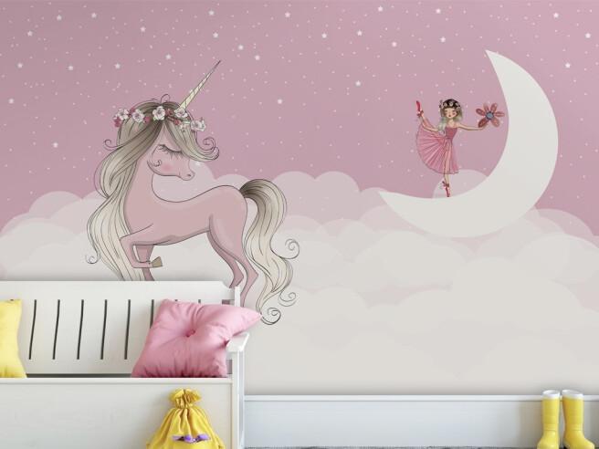 Единорог и балерина на луне