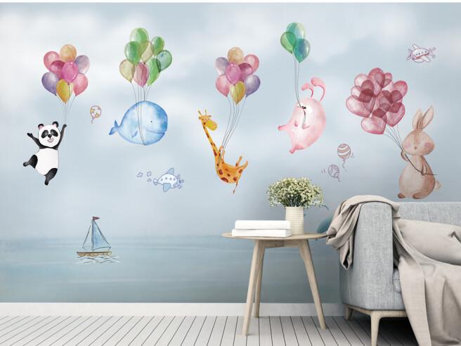 Звери на шарах над морем