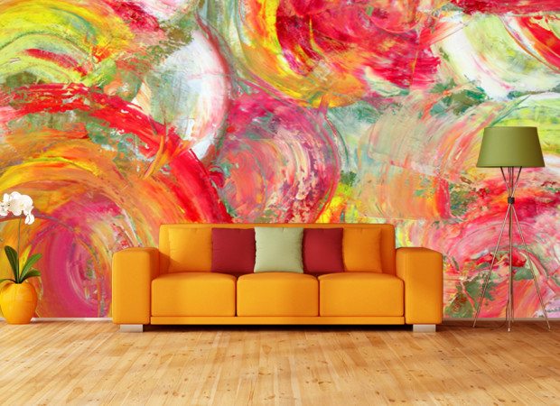 Рисунок кистью по стене