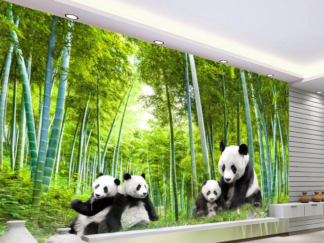 Панды в бамбуковой роще