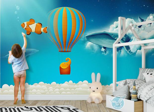 Полосатый шар и кит в облаке
