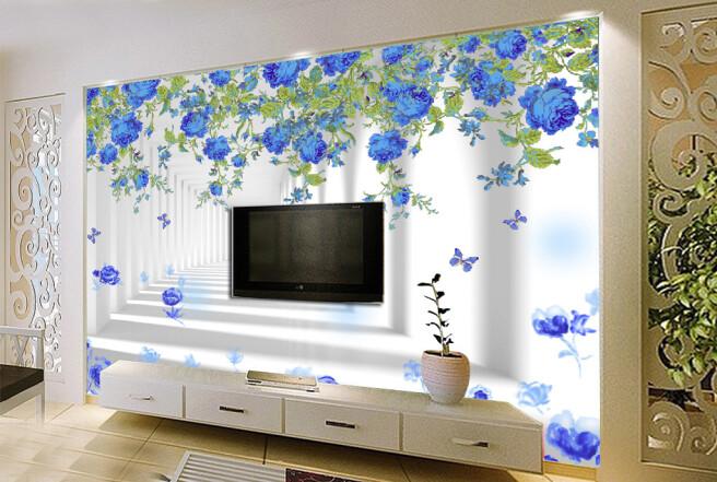 Синие цветы в белом тунеле