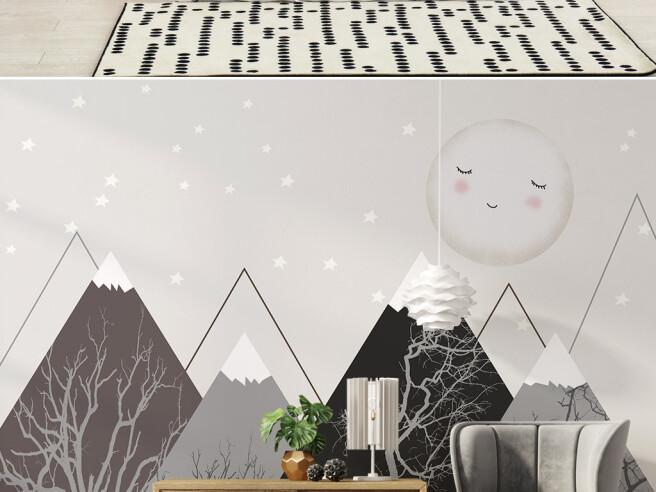 Спящая луна над горами