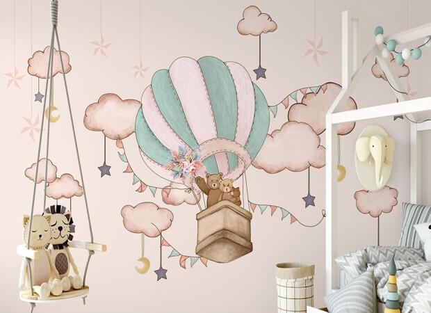 Семья мишек на воздушном шаре