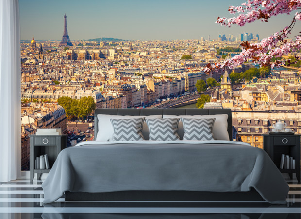 Весь Париж за стеной