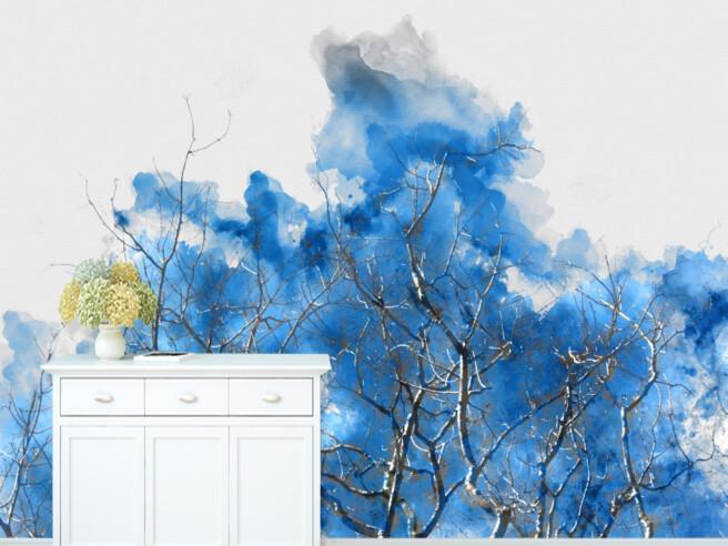 Деревья в синих облаках