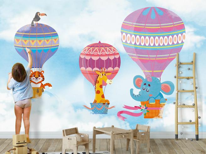 Звери на разноцветных шарах