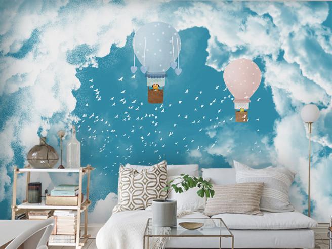 Собачки на шарах в небе