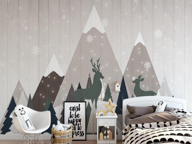 Высокая гора и олень