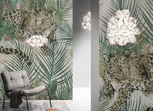Барсы на листьях пальмы