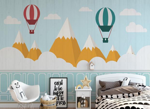 Воздушные шары над коричневыми горами
