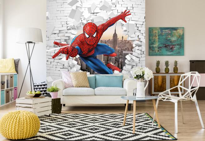 человек паук в стене